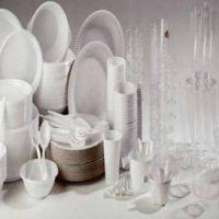 Vaisselles unies en plastique jetables